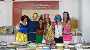 Alunos da Esco, animando os participantes na Feira do Livro