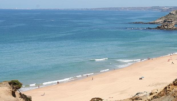 Um dia na Praia – 100 Anos de Memórias